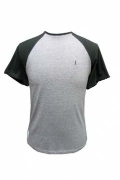 t shirt with contrast sleeves